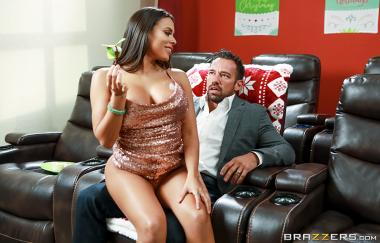 Luna Star, Johnny Castle – Geil für die Feiertage: Teil 3 – Big Butts Like It Big (Brazzers)